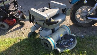 2000 HOVEROUND ELECTRIC SCOOTER